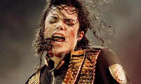 Michael-Jackson-in-concer-001